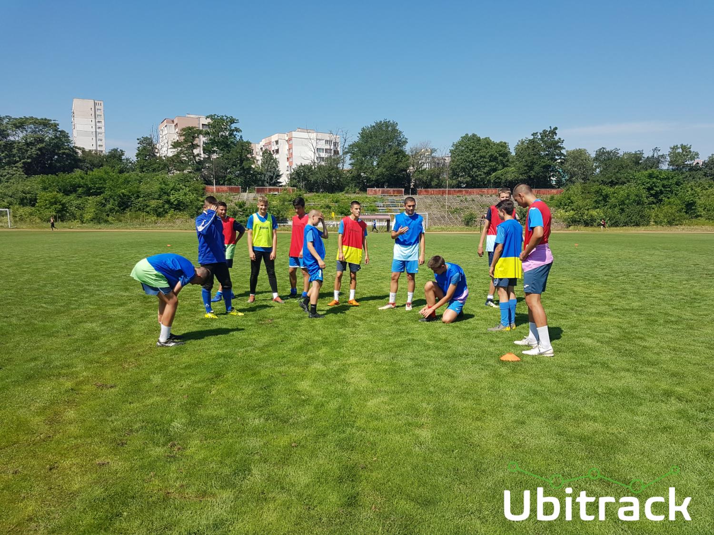 The teams wearing the Ubitrack bibs